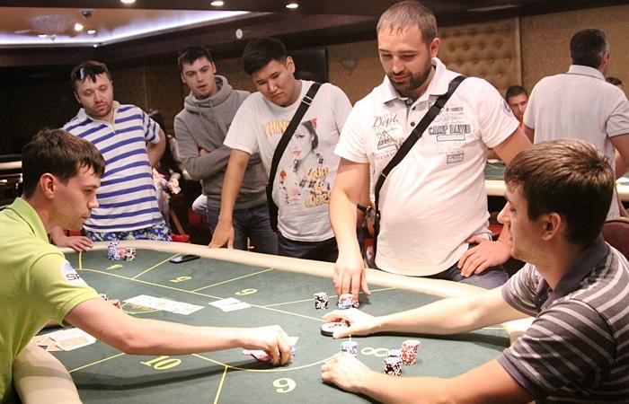 Артем чернов выиграл в казино казино игра флеш
