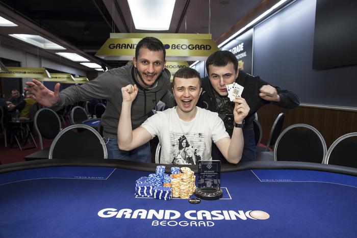 stakers casino bonus